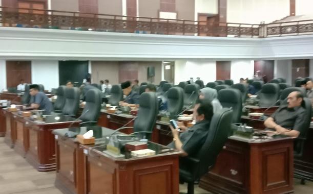Suasana rapat paripurna DPRD Sumbar saat pengusulan Hak Interpelasi DPRD.