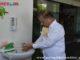 Ali Mukhni sedang lakukan cuci tangan..