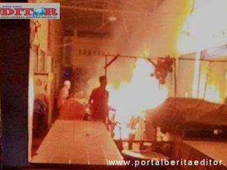 Blok Timur Pasar Ibuah Payakumbuh yang terbakar.