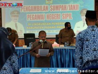 Bupati Ali Mukhni saat melantik ASN Kab. Padang Pariaman.