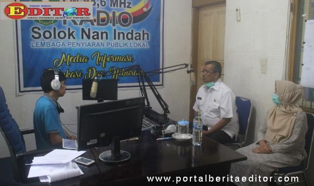 Dialog interaktif di Radio Solinda.