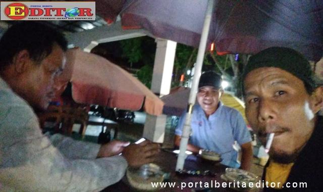 Dr. Al ansari melakukan pertemuaan dengan wartawan Jum'at malam (03-04) sekitar pukul 21.00 wib.