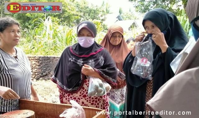 Endarmy saat melakukan aktifitas sosial di Ka. Padang Pariaman.