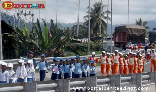 Lomba gerak jalan tingkat SD se Kecamatan Koto XI Tarusan