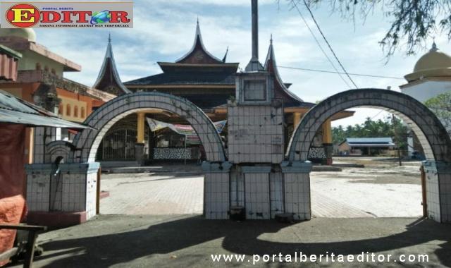 Masjid Syekh Burhanuddin Ulakan.