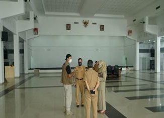 Peninjauan Posko baru di gedung Nasional Maharajo Dirajo Batusangkar. Oleh kepala lembaga terkait.