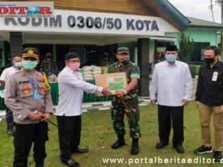Penyerahan bantuan APD dari Mabes TNI.