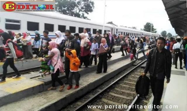 Suasana di stasiun KAI Pariaman