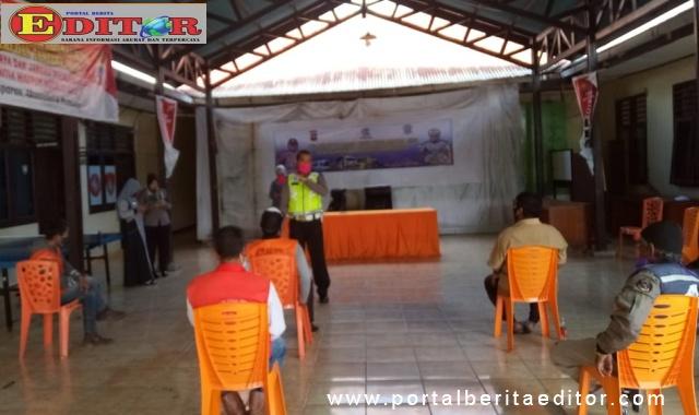 Suasana para pegemudi transportasi Sawahlunto saat melakukan pendaftaran di Polres Sawahlunto.