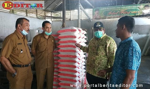 Wabup Suhatri Bur saat meninjau heler di Kab. Padang Pariaman.