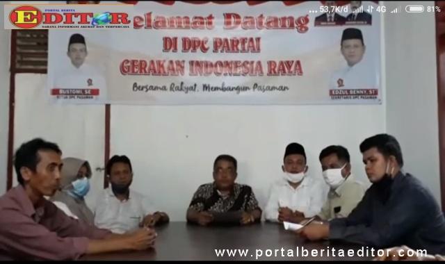 Anggota DPRD Pasaman Martias di dampingi ketua DPC Gerindra Bustomi SE melakukan jumpa pers di jalan H Agus Salim Taluk Ambun Nagari Pauh.