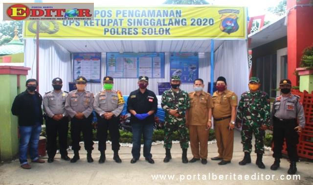 Bupati Solok saat menunjungi pos Ops Singgalang 2020.