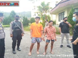Para tahanan dalam pengawalan ketat Kepolisian ketia melakukan tes swab.