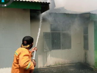 Pemadaman kebakaran di Simalanggang.