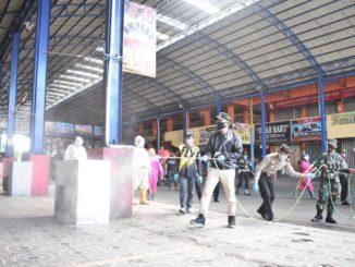 Penyemprotan fasum di Payakumbuh.