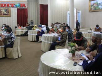 Suasana rapat terkait bantuan sosial di Kab. Solok.