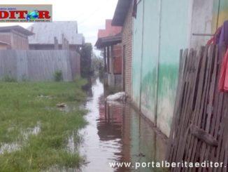 Debit air yang mulai meninggi di Hamparan Rawang Kota Sungai Penuh.