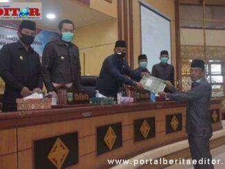 Ketua DPRD Padang Panjang menerima naskah pandangan umum fraksi PAN