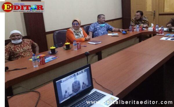 Ketua DPRD Pasbar saat mengikuti Vidcom terkait penyerahan Opini WTP buat Kab. Pasaman Barat.