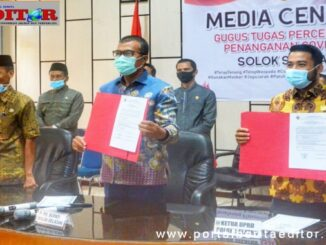 Plt Bupati Solse A. Rahman dan Ketua DPRD Solsel dengan Opini WTP.