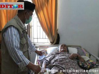 Wagub Nasrul Abit bersama almarhumah ibunya,.