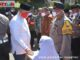 Wagub Nasrul Abit dan Kapolda Sumbar Toni Harmanto saat pelaksanaan baksos.