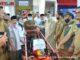 Wagub Nasrul Abit saat menyerahkan bantuan alsintan.