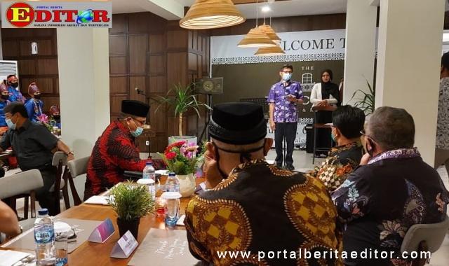 Gala dinner Gubernur Irwan Prayitno dengan Bupati dan Walikota se Sumbar di Balcone Hoteel dan Resort.
