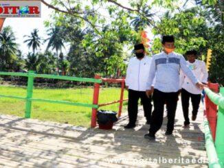 Genius Umar meresmikan Jembatan Pelangi Kampung Kandang.