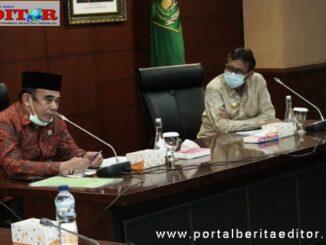 Gubernur Irwan Prayitno bersama Menteri Agama saat rapat di Kemenag, Jakarta.