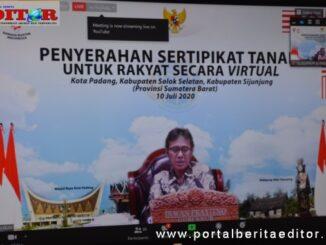 Gubernur Irwan Prayitno saat berbicara melalui vidcom.
