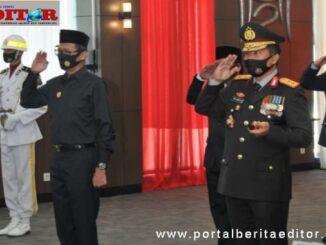 Gubernur Irwan Prayitno saat menghadiri HUT Bhayangkara ke 74 di Polda Sumbar.
