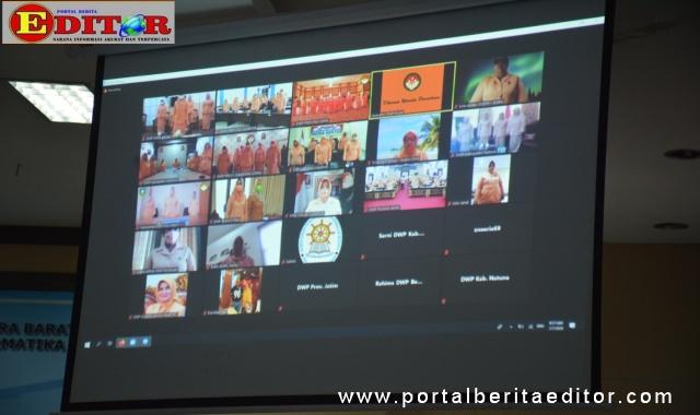 Pengukuhan Dharma Wanita Persatuan Provinsi Sumatera Barat secara online.