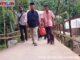 Wagub Nasrl Abit saat mengunjungi daerah Sungai Lolo, Pasaman.