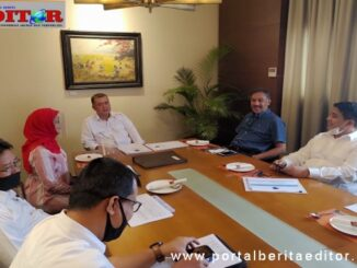 Wagub Nasrul Abit dan Kepala BNPB, Benni Munardo saat pertemuan di Jakarta.