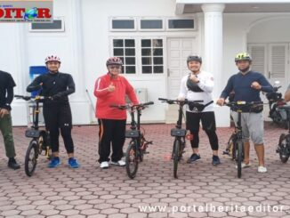 Wagub Nasrul Abit saat akan bersepeda.