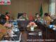 Wagub Nasul Abit saat memimpin rapat.