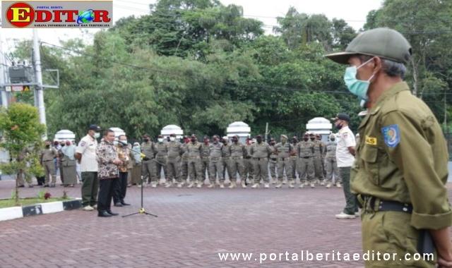 Wako Bukittinggi pimpim apel bersama Linmas,Camat dan Lurah serta Satpol PP.