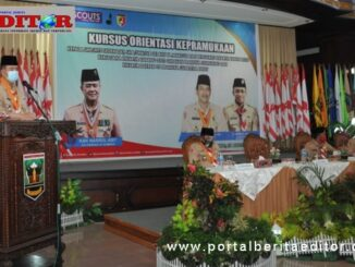 Nasrul Abit saat memberi sambutan pada orientasi kepramukaan bagi kepala SMA-SMK-SLB se Sumatera Barat.