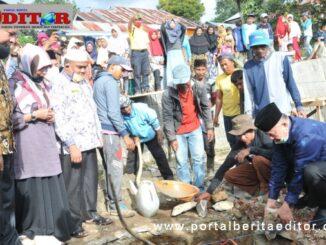 Peletakan batu pertama pembangunan mesjid di Koto Laweh.