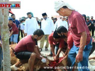 Pemotongan hewan kurban di Mako Brimob Polda Sumbar.