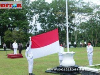 Upacara bendera dalam rangkat HUT RI Ke 75 di Kantor Bupati Tanah Datar