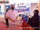 Wako Payakumbuh tengah menyerahkan kunci motor kepada pelanggan PAMtigo yang mendapat reward.