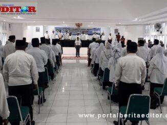 Walikota Fadly Amran melantik sejumlah pejabat eselon III dan IV Kota Padang Panjang.
