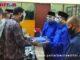 Bakal Pasangan Calon Walikota dan Wakil Walikota Bukittinggi Irwandi - David Khalik menyerahkan berkas persaratan kepada KPU.,