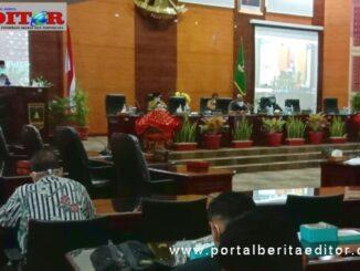 Gubernur sumbar Irwan Prayitno saat menyampaikan nota jawaban atas pandangan umum Fraksi Fraksi tentang perubahan APBD tahun 2020.