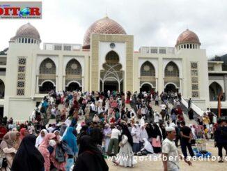 Masjid, bangunan utama Islamic Centre Padang Panjang.