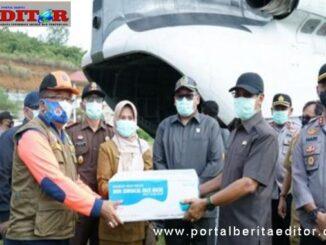 Penyerahan bantuan APD untuk Kab. Tanah Datar.