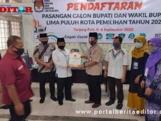 Penyerahan dokumen pendaftaran calon perseorangan Paslon Ferizal Ridwan - Nurkholis.
