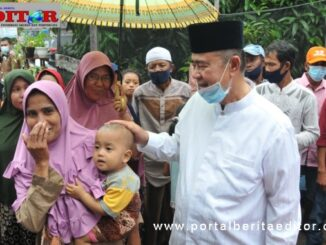 Wagub Nasrul Abit bersama masyarakat Sikilang.
